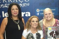Lúcia, tinha acabado de chegar de New York, e foi me prestigiar!! Alba Licìnia sempre me incentivou com o projeto desde o começo,!! Lançamento do livro na Livraria Cultura do Shopping Pátio Savassi em Belo Horizonte.