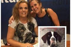 Eu autografando para a minha querida amiga Neura!! Lançamento do livro na Livraria Cultura do Shopping Pátio Savassi em Belo Horizonte.