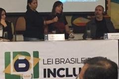 Discutindo a LBI – Lei brasileira de Inclusão da Pessoa com Deficiência, Senadora Mara Gabrilli discursando.