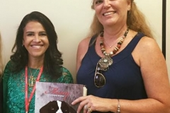 Missy, no Colégio Tiradentes, bairro Santa Tereza, fui recebida pela vice- diretora Vera Canguçu