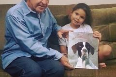 O ganhador do sorteio do livro Missy, uma história de amor, que a página da Missy, realizou no último mês de dezembro de 2017, foi o senhor Milton Cheib. Na foto ele está com a sua linda netinha Izabella Istransky Cheib, minha xará. Izabella se encantou por Missy. Espero que se divirtam com o livro. Parabéns ao senhor Milton!!