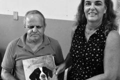 Estou na Fundação São Rafael de Belo Horizonte, para cegos, entregando livros para o Presidente da Associação de amigos do Instituto São Rafael, sr Juarez Gomes Martins, que me ajudou e acreditou desde o começo no projeto História de Missy, uma história de amor!! Muito obrigada por tudo!! Izabella e Missy